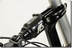 軽量・高性能のエアーサスペンション(標準仕様/ブラック)